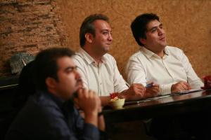 مانی رهنما: هیچ نوسترآداموسی نمیتواند یک هفته آینده سرزمین ما را پیشبینی کند!