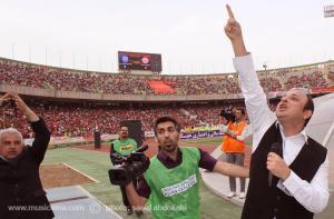 گزارش تصویری ویژه و اختصاصی موسیقی ما از حضور داریوش خواجهنوری و گروهاش در استادیوم آزادی