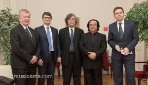 تجلیل از علی رهبری توسط وزیر فرهنگ و هنر اسلواکی