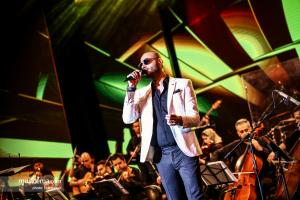 کنسرت نوستالژی عاشقانههای ناصر چشمآذر - 1 تیر 1398