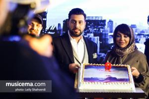 مراسم رونمایی و جشن امضای آلبوم شهر دیوونه - احسان خواجه امیری (دی 1397)
