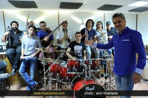 تمرین «حمیدرضا خجندی» و گروهش برای کنسرت - خرداد 1393